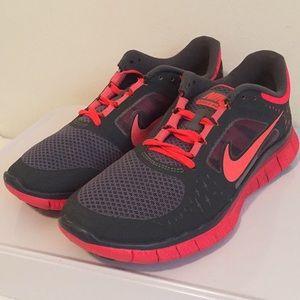 Nike Free Run 3.0 Women's Charcoal Gray Red 9.5